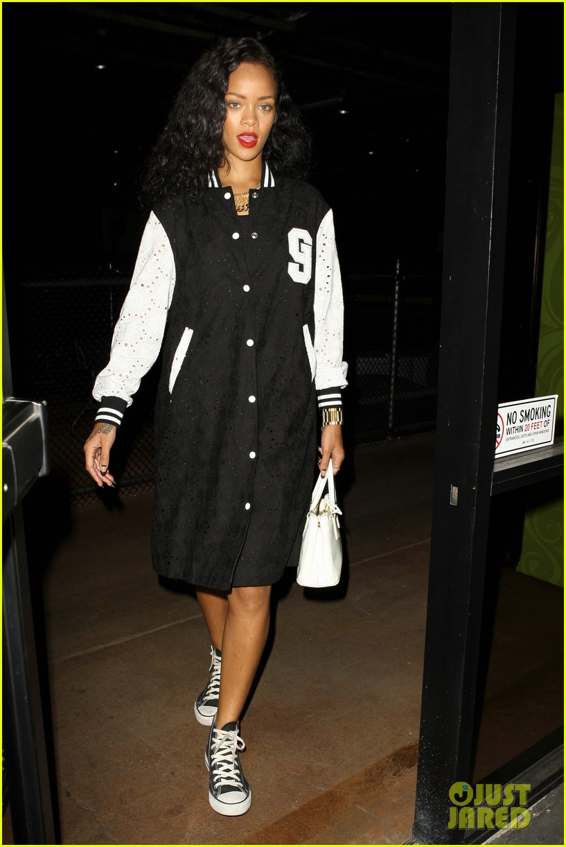 Fifi Loves: Rihanna's long baseball jacket | AS I GO