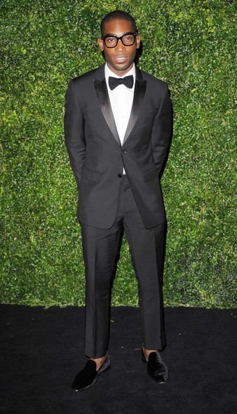 tinie-tempah-58th-london-evening-standard-theatre-awards-burberry-prorsum-suit